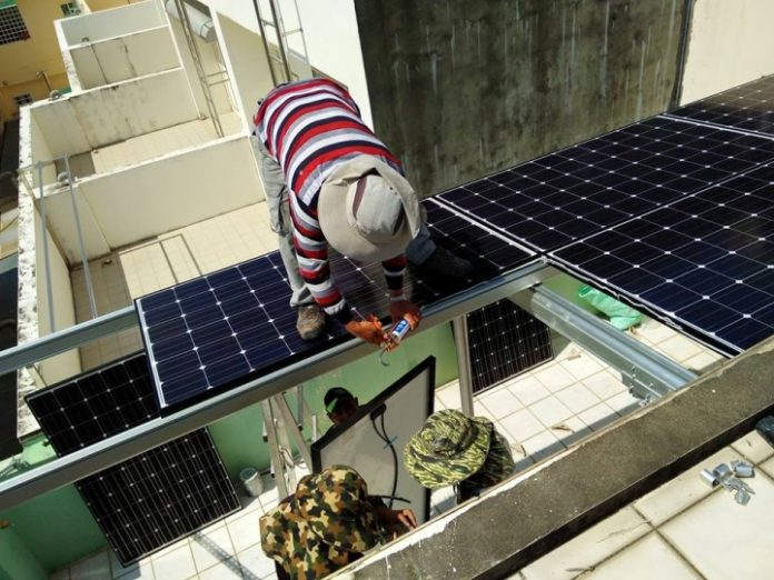 Install Solar Panels on Tainan Residence's Roof