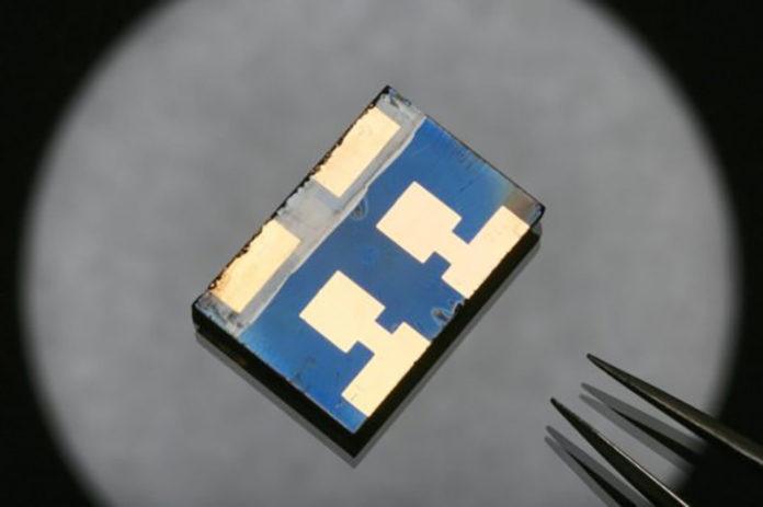 A Perovskite Solar Cell Prototype - EPFL