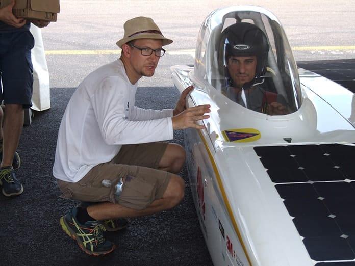 Sonnenwagen - Martin Kolkenbrock Talks Tactics With Driver Marc Locke