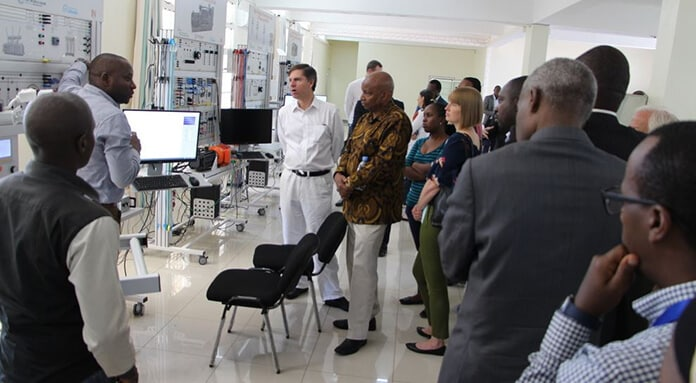 World Bank Team Visits UR's Centres of Excellence