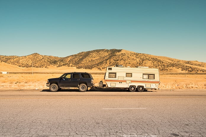Install Flexible Solar Panels on RV to Get Electricity During a Long-Distance Trip