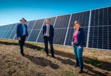 UQ Vice-Chancellor and Government Ministers at the Warwick Solar Farm