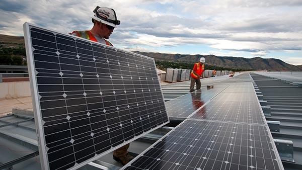 Définir les objectifs de l'investissement dans un projet solaire